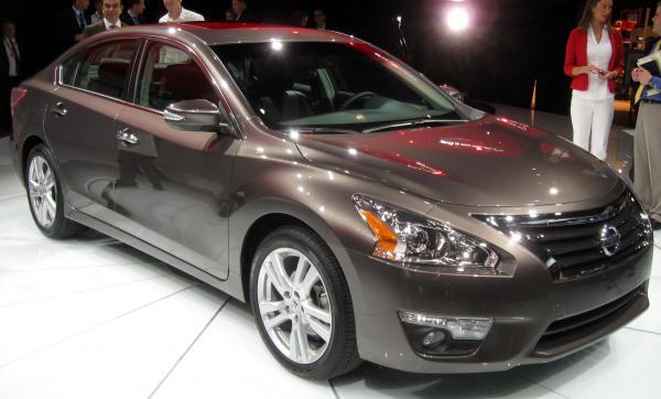 Nissan отзывает около 59 тысяч автомобилей