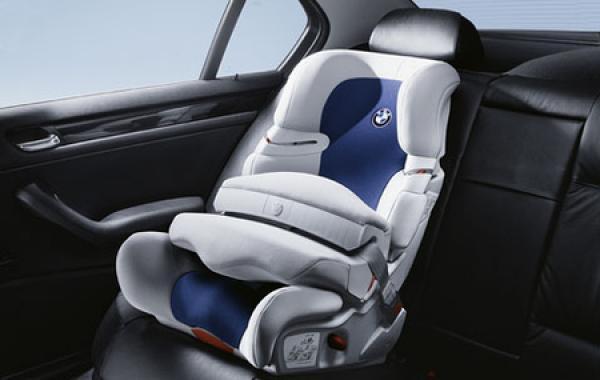 BMW отзывает автомобили из-за детских кресел