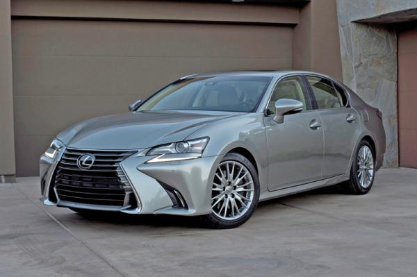 Lexus GS: новый дизайн, свежие двигатели