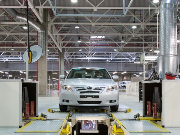 Toyota временно остановит производство