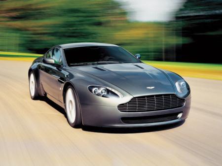 Aston Martin V8 Vantage: британский джентльмен