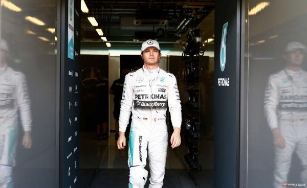 Нико Росберг побеждает в Гран-при Австралии
