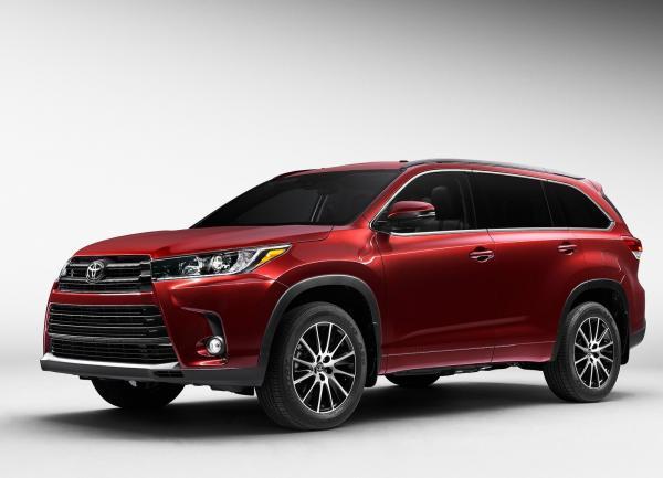 Обновленный Toyota Highlander покажут в Нью-Йорке