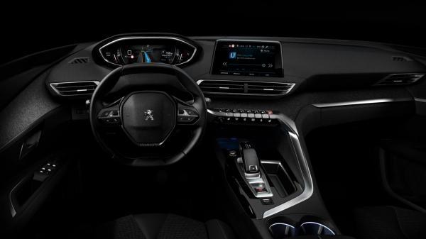 Peugeot представили салон нового 3008