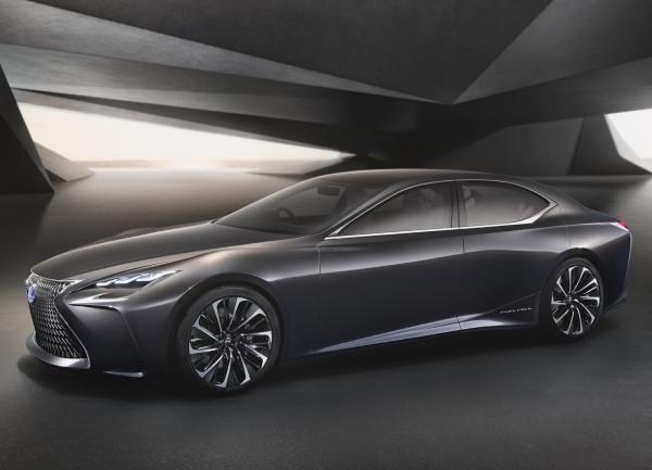 Lexus LS представят в Детройте