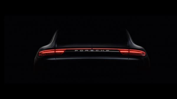Porsche рассекретили новый Panamera