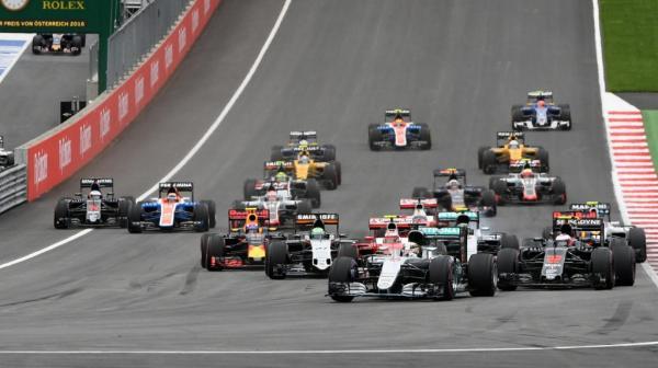 Формула-1: Льюис Хэмилтон выигрывает Гран-при Австрии