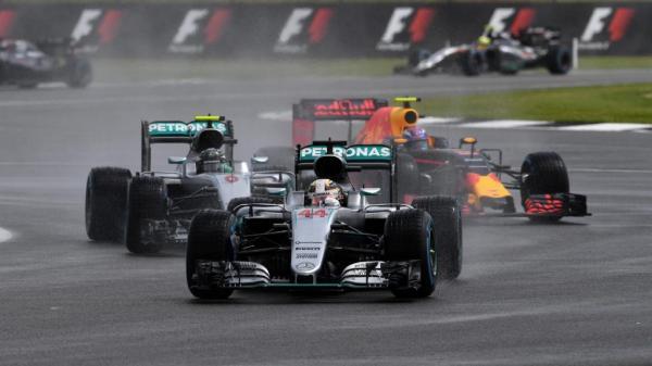 Формула-1: Льюис Хэмилтон выигрывает вторую гонку подряд