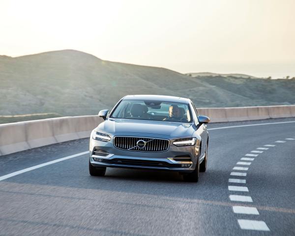 Volvo S90: новый глава семейства