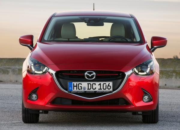 Mazda 2, Peugeot 208, Skoda Fabia: разнообразие В-класса