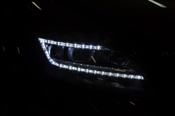 Новые Mercedes-Benz получат «умные» светодиодные фары