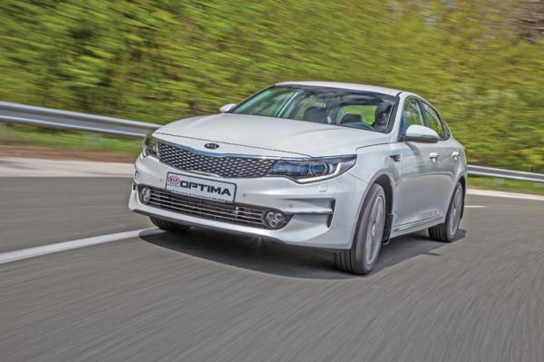 Kia Optima, Mazda 6 и Skoda Superb: экономичный D-класс