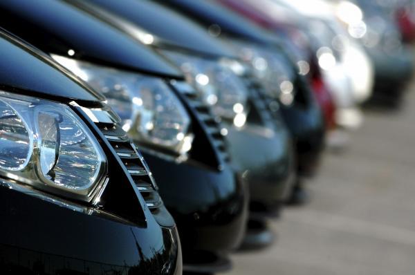Продажи автомобилей в Украине резко выросли