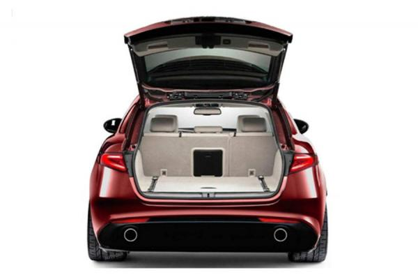Универсал Alfa Romeo Giulia Sportwagon – первые фото