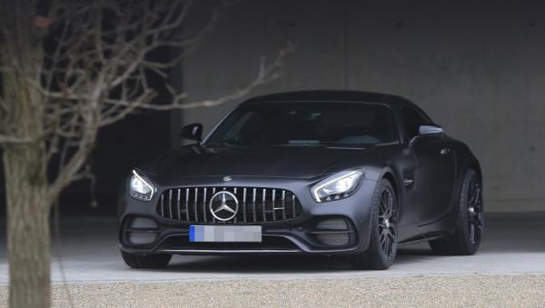 Купе Mercedes-AMG GT C замечено без камуфляжа