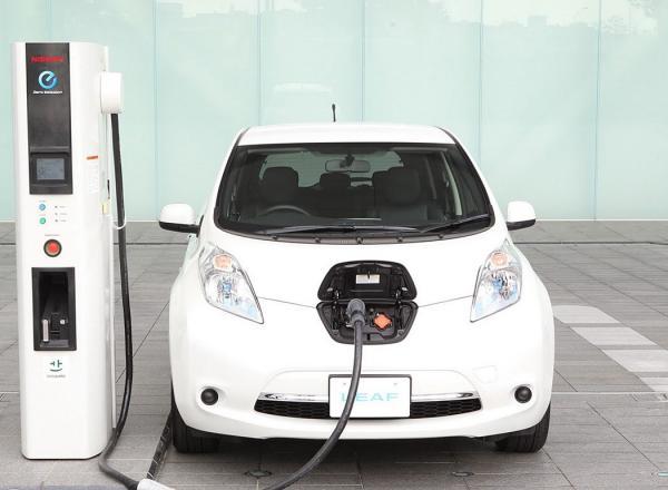 Электромобили в Украине демонстрируют стремительный рост продаж