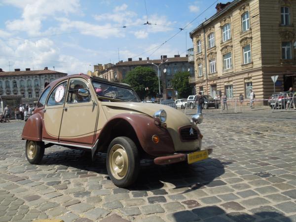 Leopolis Grand Prix: автоветераны на старинных улицах Львова