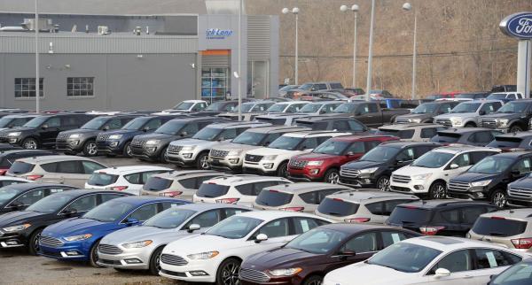 Продажи новых авто в Украине выросли почти на половину