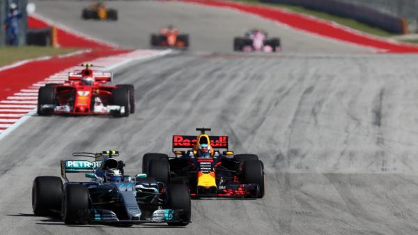 Формула-1: Mercedes досрочно завоевали Кубок конструкторов