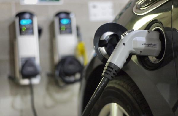 В Украине может появиться сеть зарядных станций для электромобилей