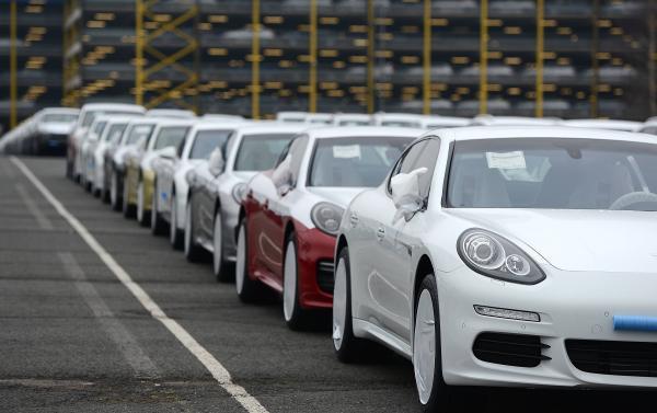 Продажи новых автомобилей в ноябре прекратили рост