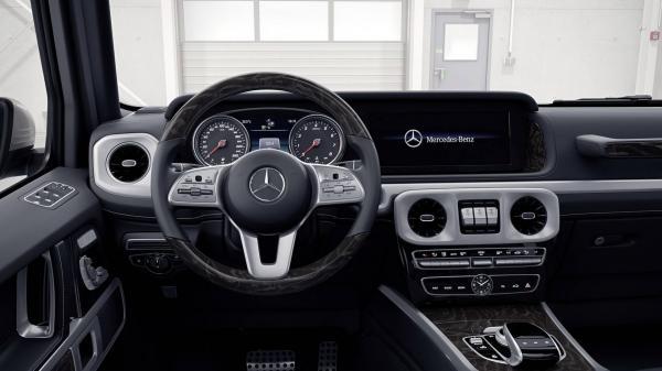 Салон нового Mercedes-Benz G-Class рассекречен на фото