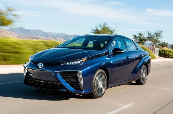 Toyota готовит «семейство» электромобилей