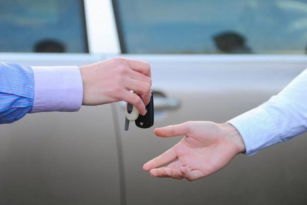 Нужна ли доверенность на автомобиль в Украине?