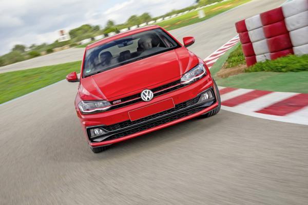 Volkswagen Polo GTI: быстрый и практичный