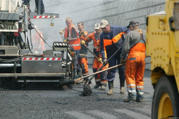 На дороги в Украине выделят 300 млрд. гривен