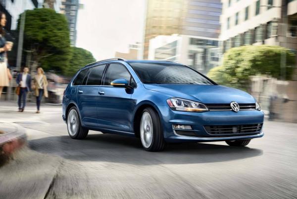 Новые Volkswagen Golf могут стать нелегальными в Украине