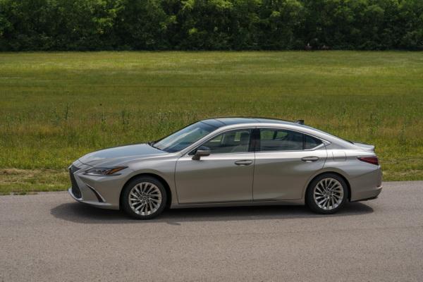 Lexus ES: новый этап