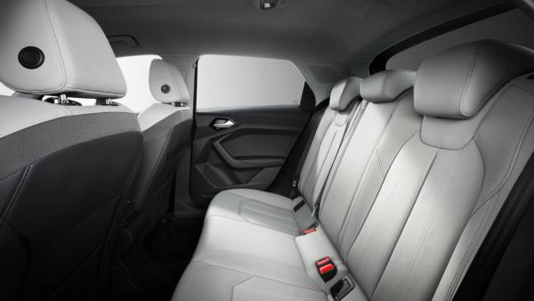 Audi A1: смена поколений