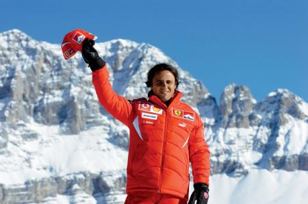 F1: Ferrari отрицает интерес к Фернандо Алонсо