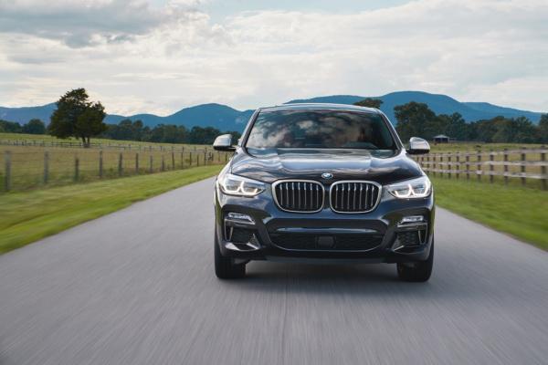 Фары BMW X4 являются светодиодными