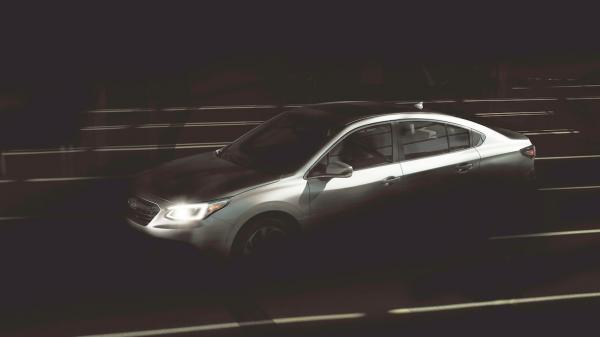 Первые фото Subaru Legacy нового поколения