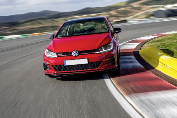 Volkswagen Golf GTI TCR: быстрый и практичный