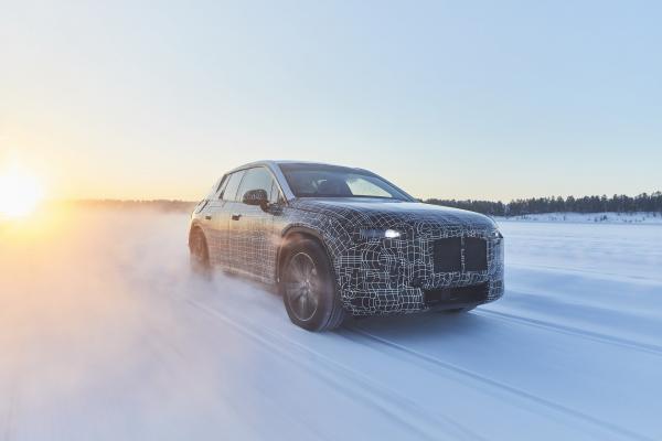 BMW тестирует электрический вседорожник