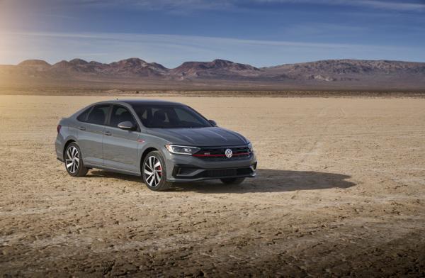 Volkswagen Jetta GLI: седан с «огоньком»