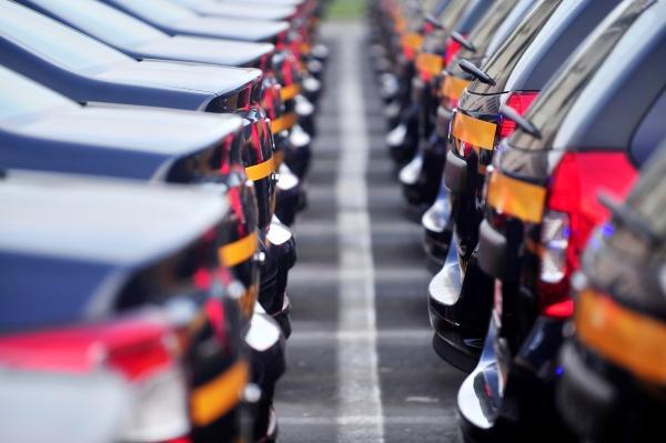 Продажи новых автомобилей в Украине продемонстрировали умеренный рост