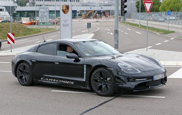 Первый электромобиль Porsche представят в сентябре
