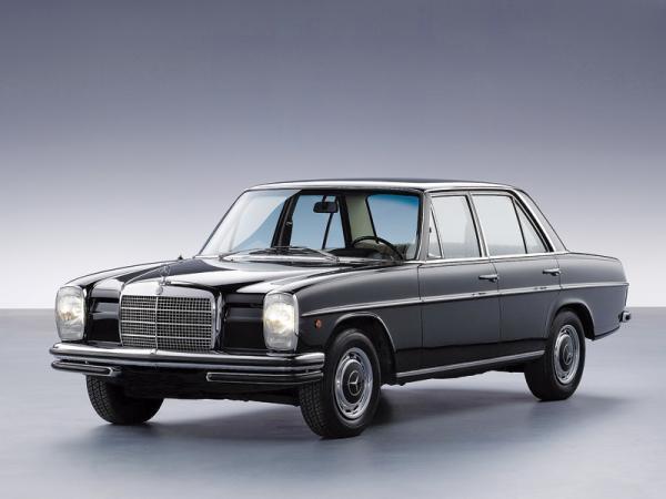 Mercedes-Benz W114-W115 (1967-1976)