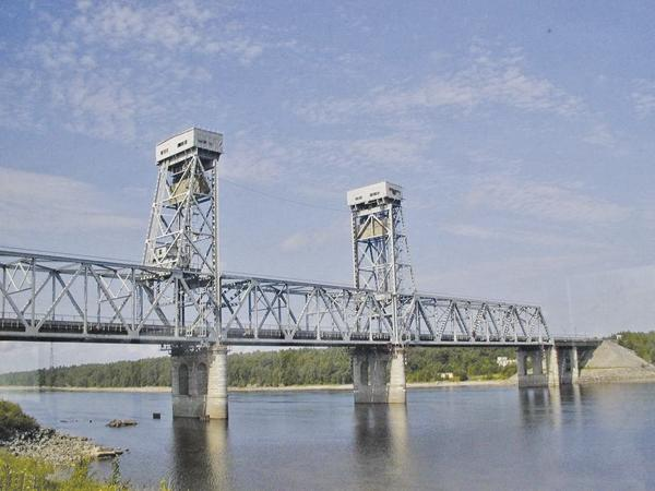 В столице частично введен в эксплуатацию новый мост через Днепр