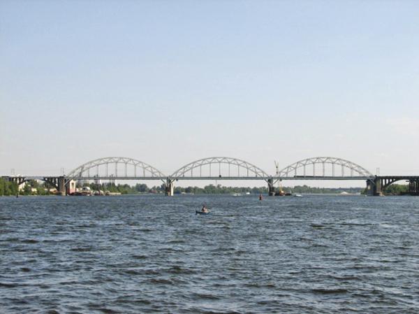 Киев. Строительство Дарницкого моста приостановлено
