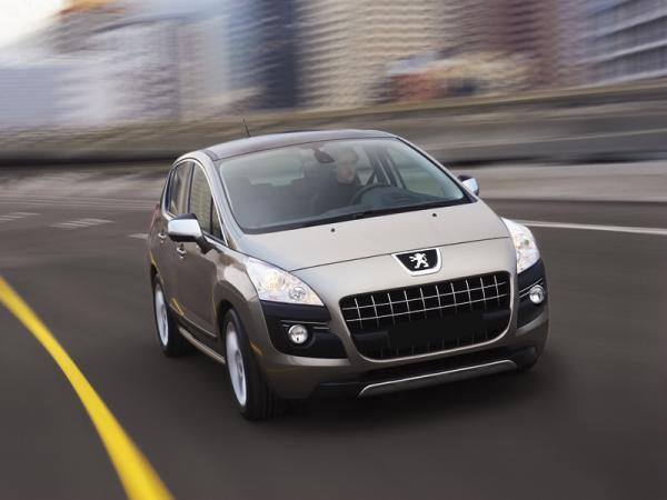 Peugeot 3008: слияние вседорожника, хетчбэка и мини-вэна
