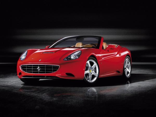 Гибридные Ferrari будут заправлять спиртом