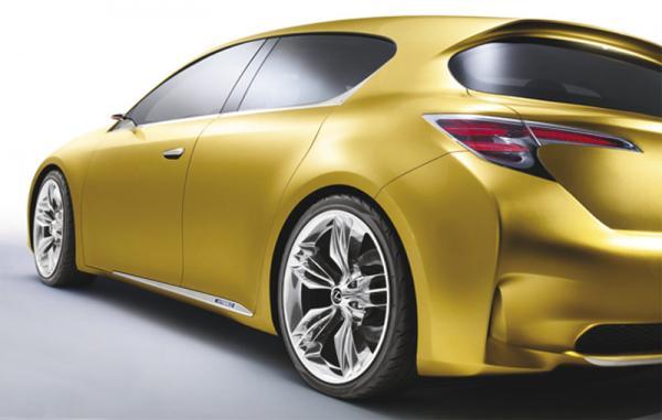 Концепт LF-Ch предварит появление компактного Lexus