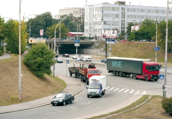 Киев. Изменят правила въезда грузовиков