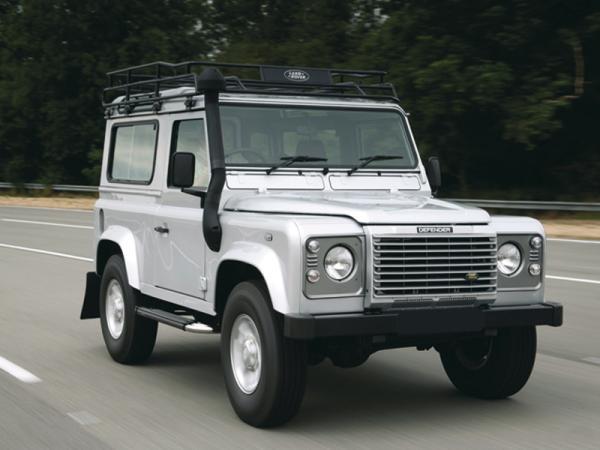 Новый Land Rover Defender появится в 2012 году