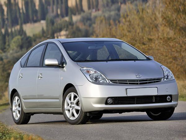 Toyota отзывает автомобили из-за ковриков